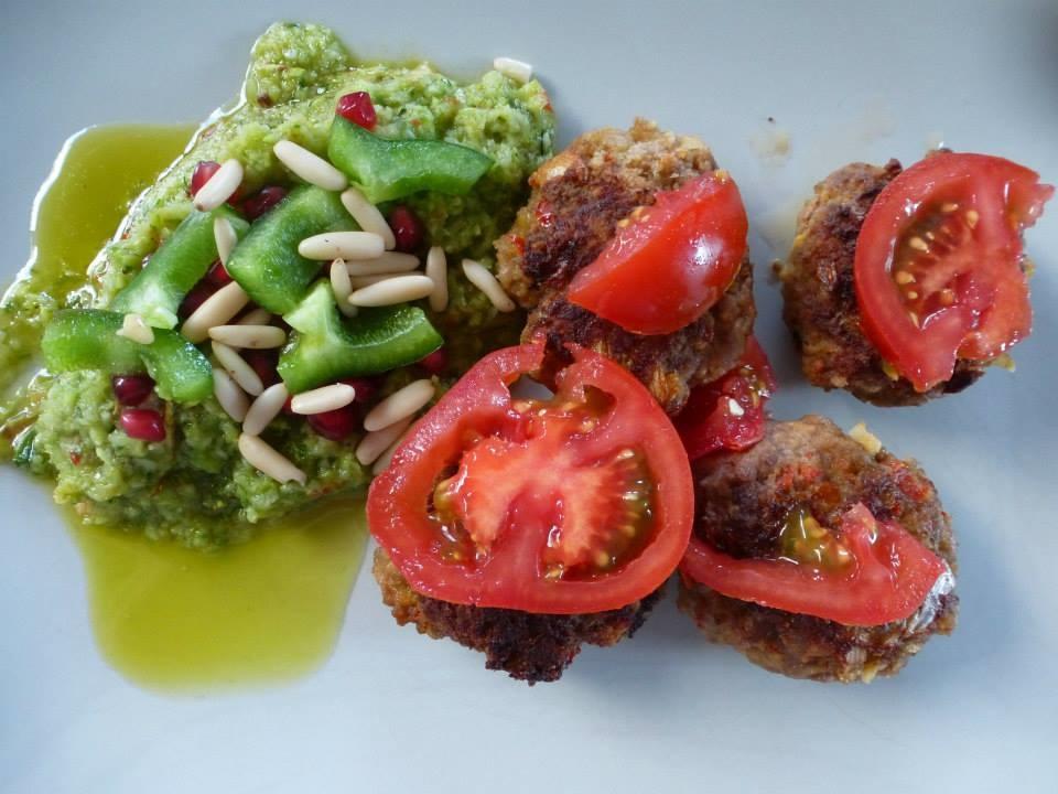 Lamm-Köfte mit Zucchini-Mandel-Püree