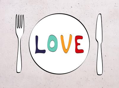 LCHF-Tellerspione KW 36 – 2016 - gezeichneter Teller, auf dem LOVE geschrieben steht